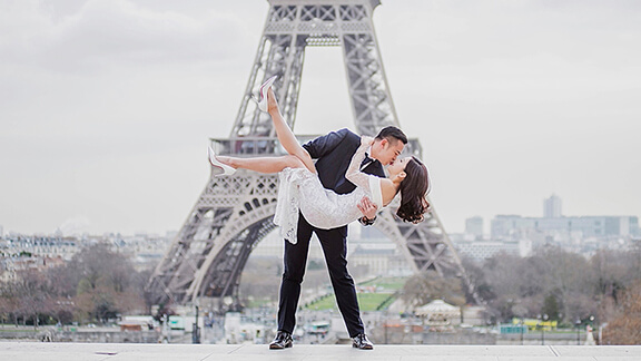 Chinese Paris Wedding Asian Parisian Eiffel Tower Kiss